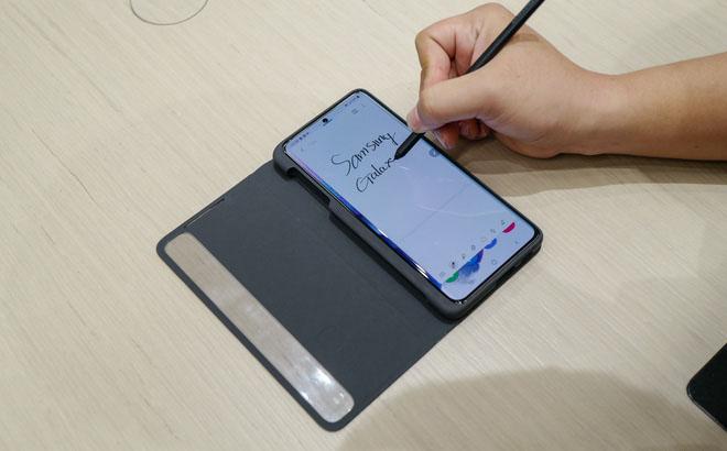 Bút S Pen trên Galaxy S21 Ultra