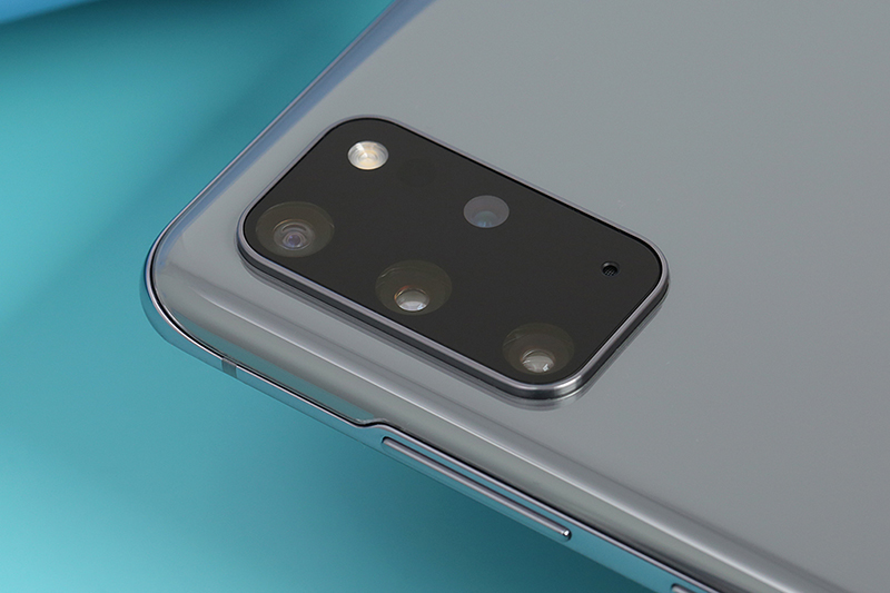 Thiết kế cụm camera sau của Galaxy S20 Plus