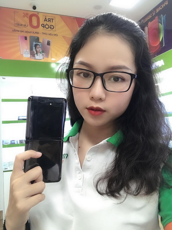 Giá Samsung Galaxy Z Flip xách tay Hàn Quốc