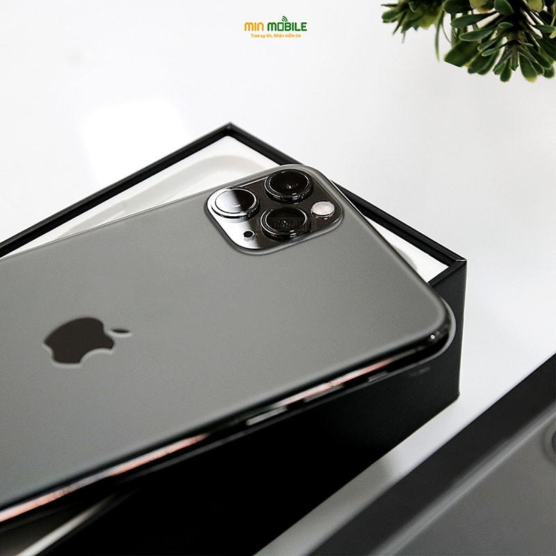Cụm camera làm nên thương hiệu của thế hệ iPhone 11